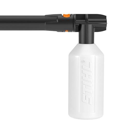 Комплект принадлежностей для добавления в воду моющего средства
