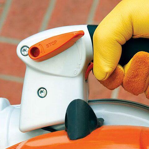 Фиксируемый рычаг газа с кнопкой паузы