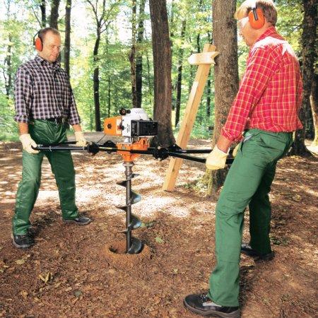 Мощный агрегат, обслуживаемый двумя рабочими